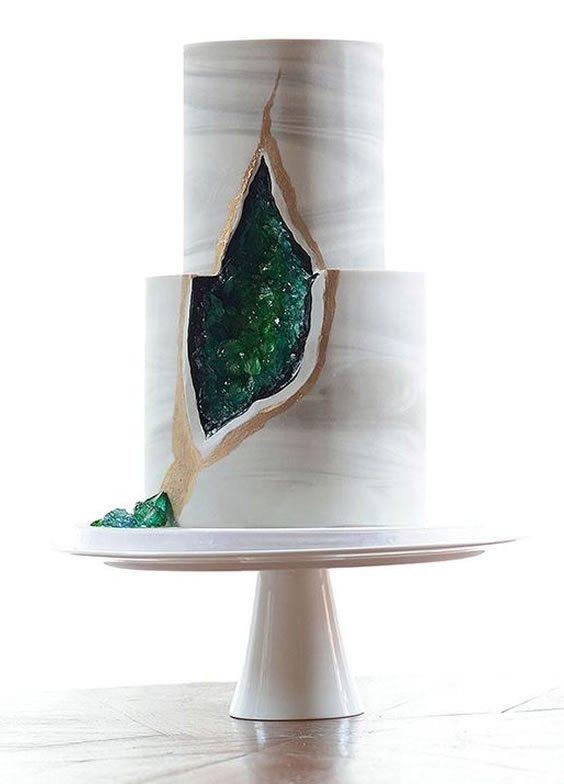 Trending Wedding Cakes - Geode