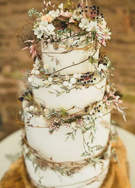 Trending Wedding Cakes - Woodland